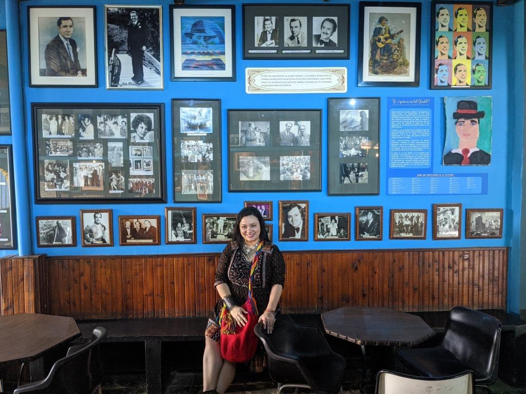 Andrea en el Museo Casa Gardeliana en Manrique, Medellin
