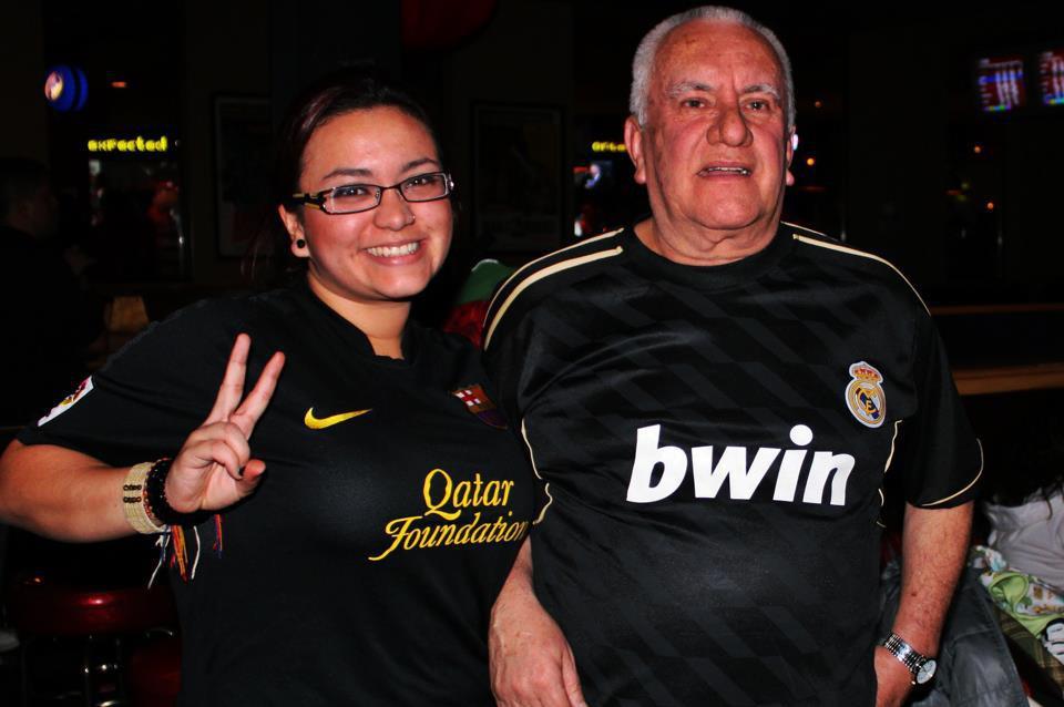 Andrea y Jose Maria Mu, hinchas de las torres gemelas del la Liga: Real Madrid y Barcelona.
